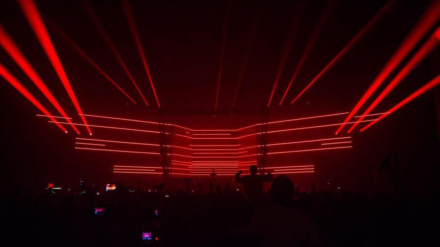 immersive-ltd_Epic-2.0_Eric-Prydz_stage-design_hologram_tour-visuals_03-896×504