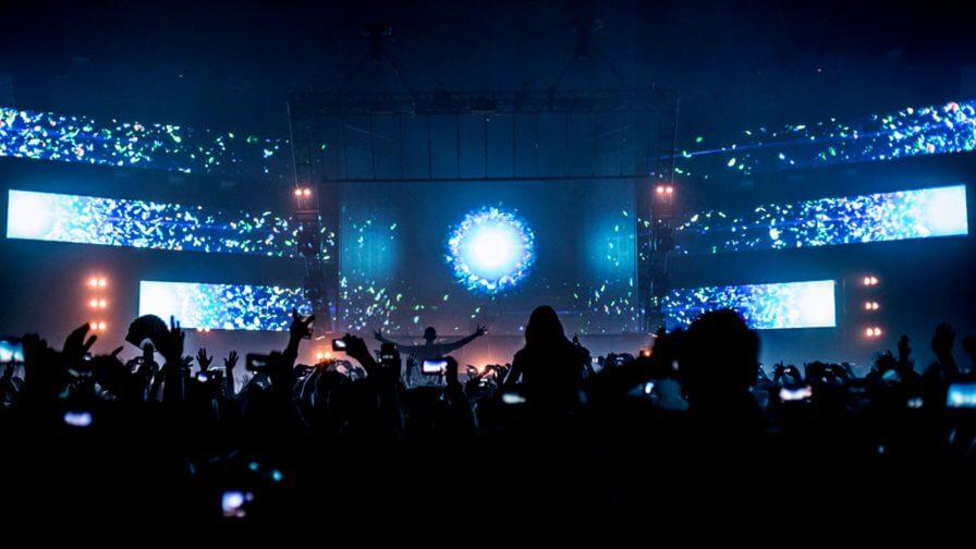 immersive-ltd_Epic-2.0_Eric-Prydz_stage-design_hologram_tour-visuals_04_02-896×504