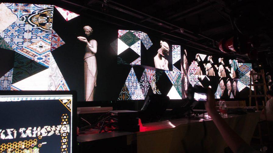 immersive-ltd_LED-video-wall_nightclub-lounge-bar-interior-design_Nan2-896×504