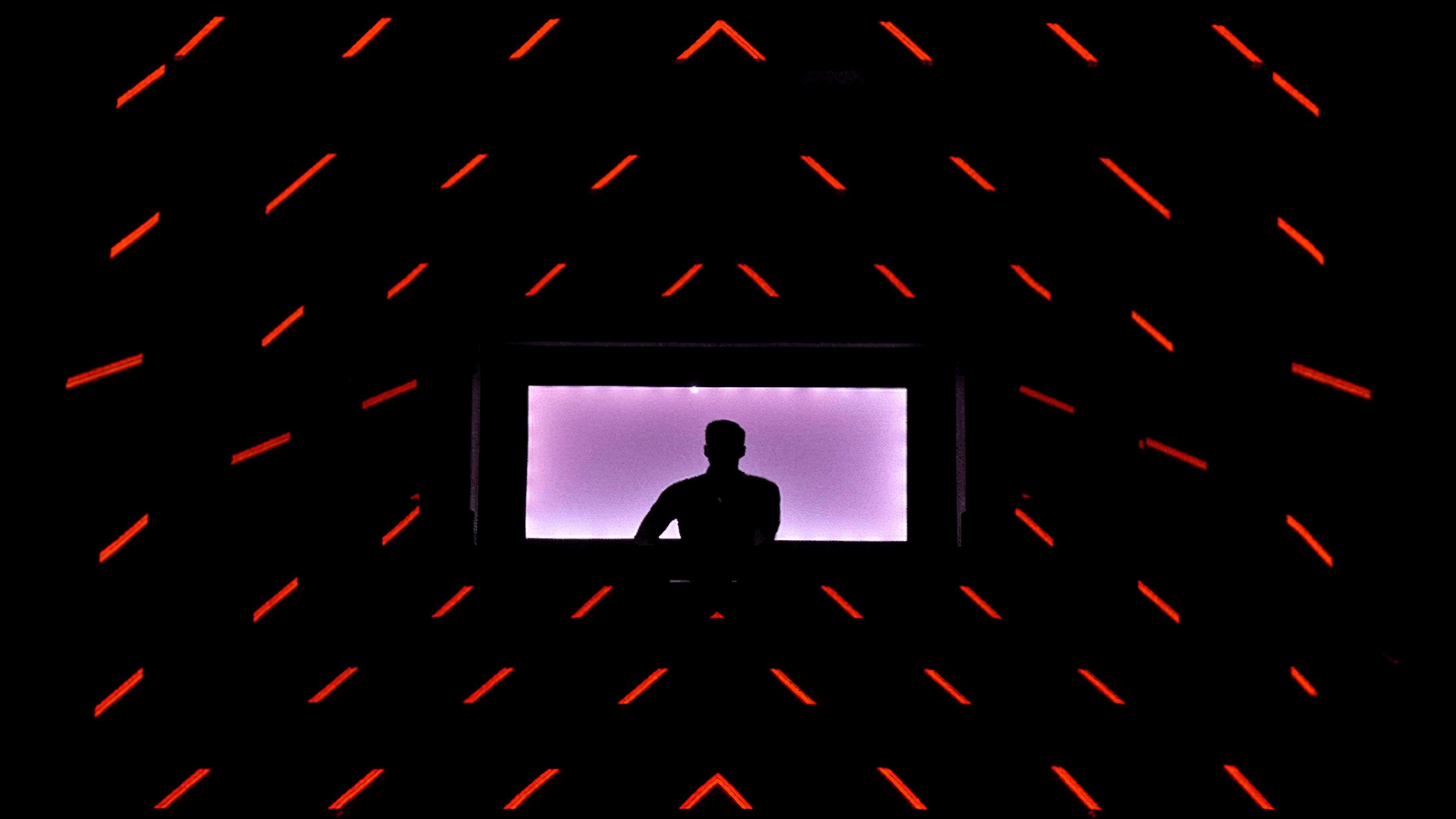immersive-ltd_Maze_Adam-Beyer-Live-DJ_03-896×504-Gigapixel