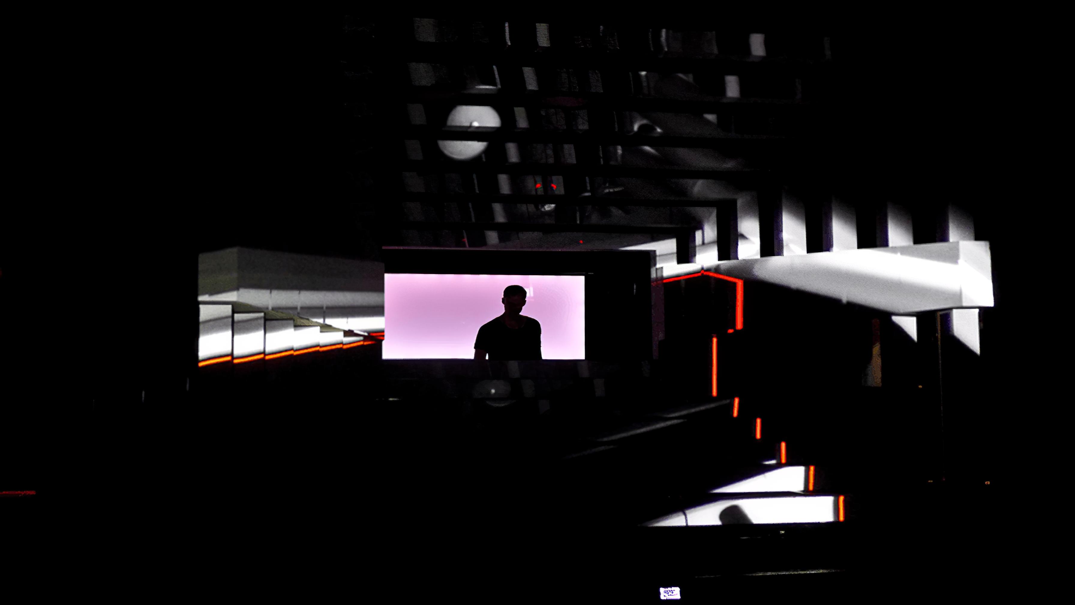 immersive-ltd_Maze_Adam-Beyer-Live-DJ_06-896×504-Gigapixel