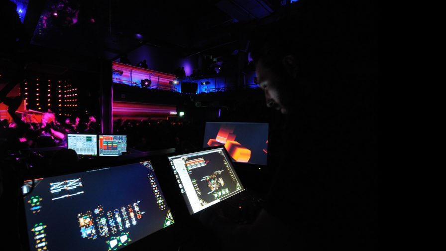 immersive-ltd_projection-mapping_stage-design_tour-visuals_Eric-Prydz-Cubic_03-896×504
