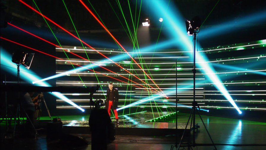 immersive-ltd_x-factor_set-design_contestants_01-896×504